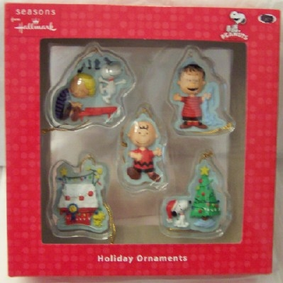 peanuts snoopy charlie brown hallmark mini christmas ornament - Charlie Brown And Snoopy Christmas Decorations