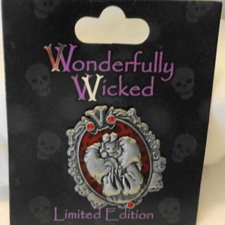 Disney Wonderfully Wicked Cruella De Vil Villain Limited Edition Pin New On Card Front