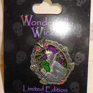 Disney Wonderfully Wicked Pin Evil Queen Snow White Villain LE New On Card Front