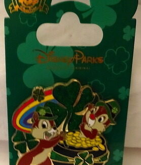 Disney St Patrick's Pin Chip 'n' Dale Pot 'o' Gold New On Card Front