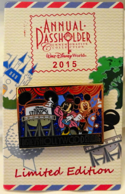 Mickey Minnie Postcard Pin Disney Passholder LE New On Card Front