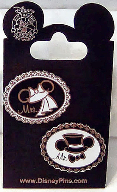 Wedding Ear Hat Pins #2 Disney Mr. Groom Mrs. Bride New On Card Front