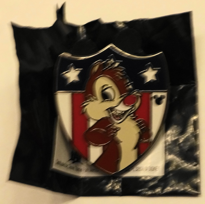 Disney WDW Dale Hidden Mickey Patriotic 2013 Completer PWP Pin New With Bag