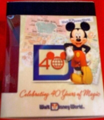 Disney Vinylmation Celebrating 40 Years Of Magic Magic Kingdom Figure New In Box Side 1