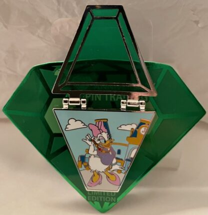 Daisy Duck Countdown Pin Limited Edition New On Card Front Open